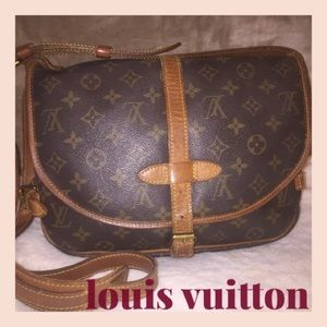 Auth. Louis Vuitton Saumur 30 Crossbody